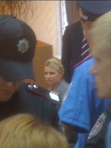 Una delle ultime foto della Leader dell'Opposizione Democratica 'arancione' ucraina, Yulia Tymoshenko, durante il primo processo. COPYRIGHT MATTEO CAZZULANI