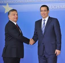 Il Premier conservatore ungherese, Viktor Orban, e il suo collega socialista romeno, Victor Ponta